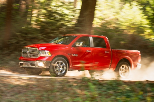 http---image.motortrend.com-f-wot-1402_2014_ram_1500_ecodiesel_epa_rated-63662142-2014-Ram-1500-Ecodiesel-side-view-in-motion